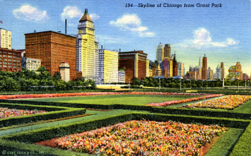 1930s postcard view of Chicago's skyline from Grant Park